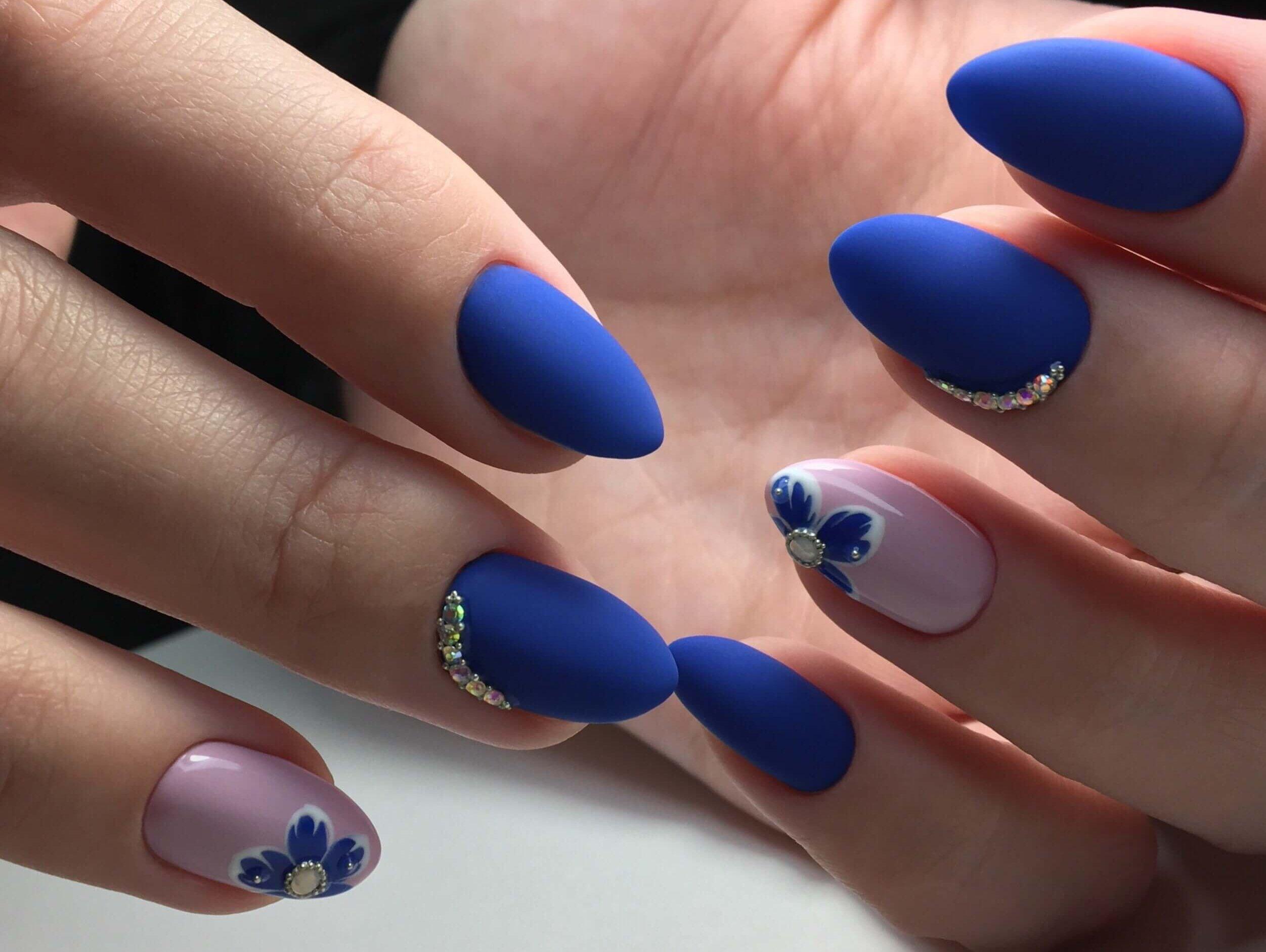 оно наращивание ногтей в синем цвете фото дизайн взял