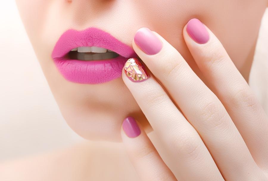 Маникюр с каким цветом сочетается розовый